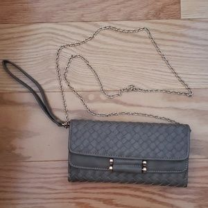 MMS wristlet/wallet with chain